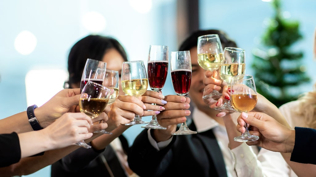Vi har plockat ut mousserande, vitt och rött vin som har fått högsta betyg av Allt om Vins Gunilla Hultgren Karell.