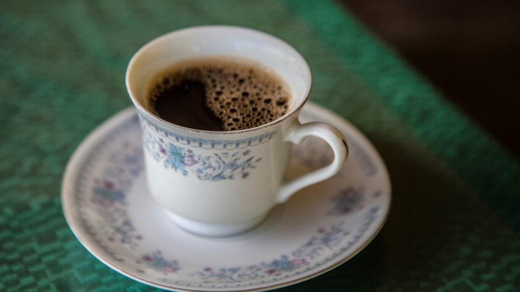 En kopp kanariskt kaffe för 900 kronor kilot.
