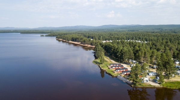 Orsa Camping ligger vid Orsasjön och är ny på listan.