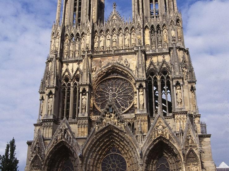 Magnifika katedralen i Reims, Champagne, är väl värd ett besök.