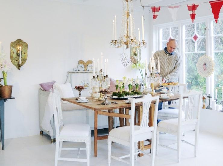 Flera gånger i veckan skapar Håkan nya julpyssel som läggs ut på hans blogg, som är en stor inspirationskälla för många trogna läsare.