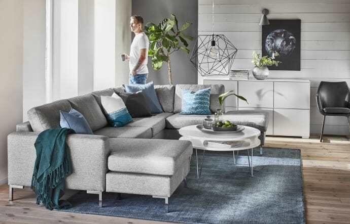 Möbelföretaget Mio har funnits i Sverige i 50 år men sålde från början bara soffor och blev kända för att ha ganska höga priser.