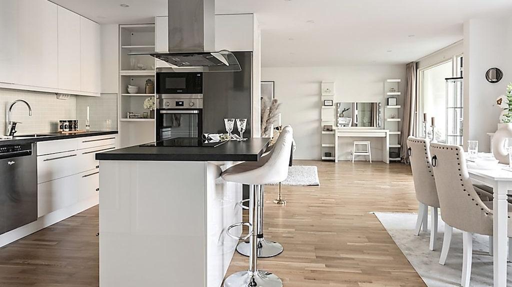 Tova Helgesson planerar att köpa villa och säljer nu lägenheten hon köpte i mars förra året.