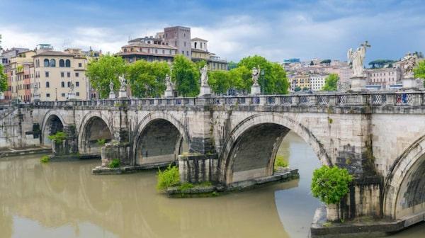 Rom är och förblir en magnet för ressugna.