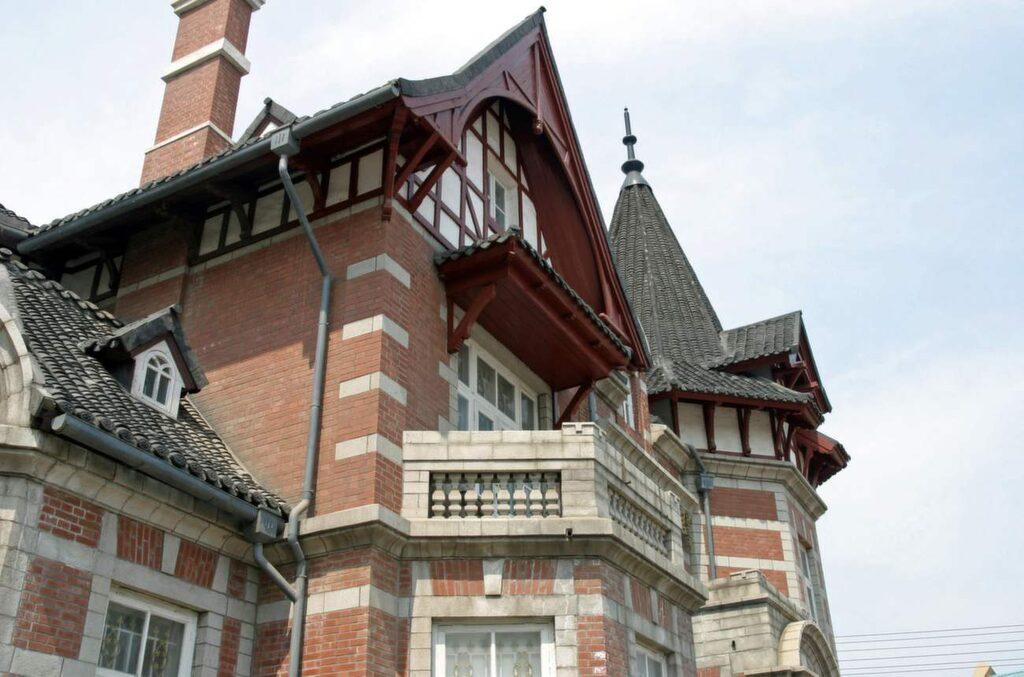 <p>Dalian har allt från kanaler med gondoler till byggnader i europeisk stil. Se fler bilder och ett klipp från staden längre ner i artikeln.<br></p>