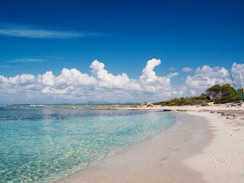 Vid Es Trenc finns ljuvliga stränder för badsugna.