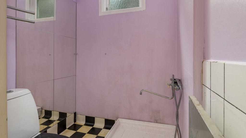 Badrummet skulle behöva renoveras.