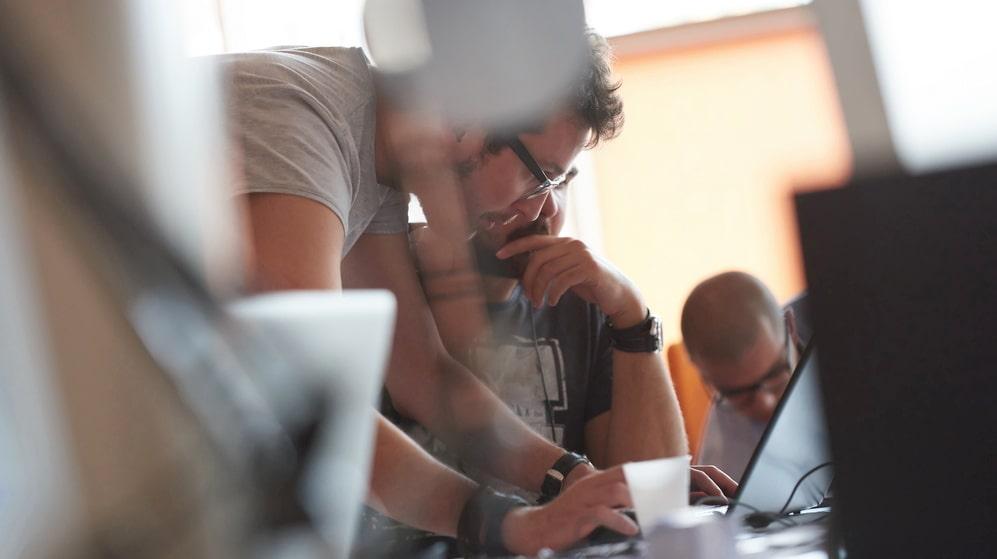 Även hög arbetsbelastning och därpå följande sömnproblem minskar jobblyckan markant.