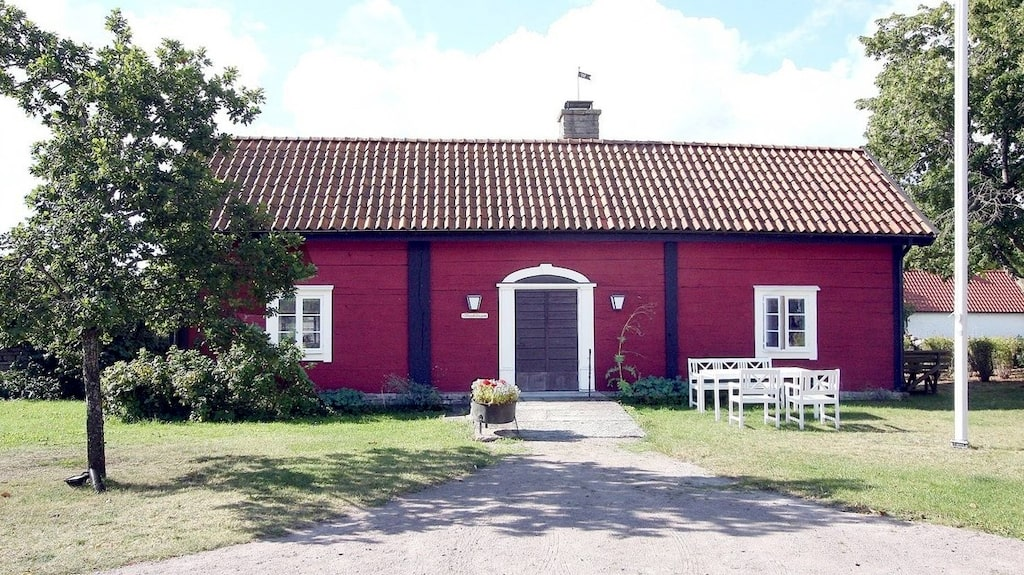Drömmer du om ett eget sommarställe eller boende på Öland? Där finns alla prisklasser.
