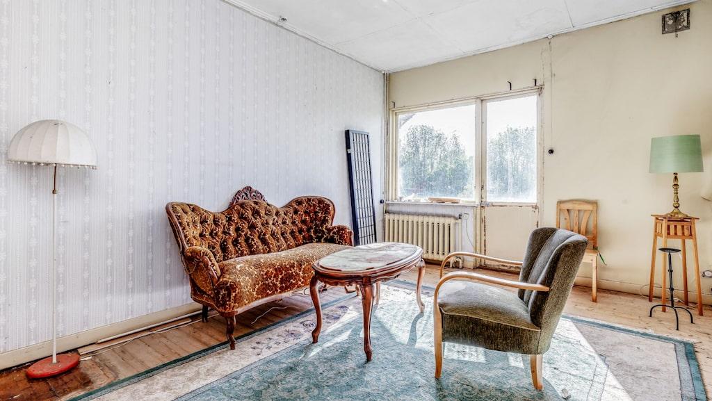 Huset är i behov av omfattande renoveringar.