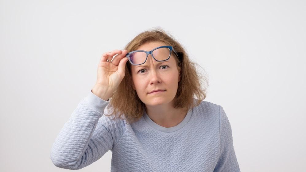 Perimenopausen?! Förklimakteriet kan börja 10-15 år innan sista mens. När hormonnivåerna förändras händer det saker i din kropp.