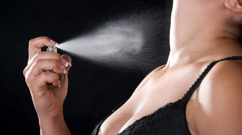 <p>Alla uppskattar inte parfymdränkta halsar!</p>