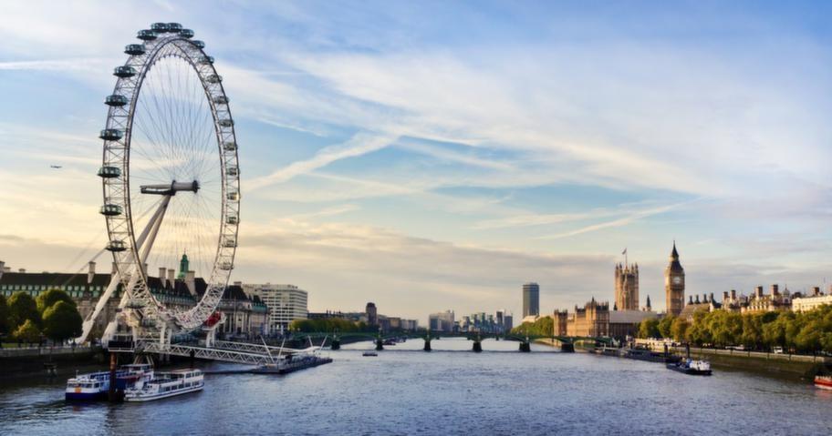 """London är hetare än på länge, nu vill """"alla"""" hit. Att valutan är förhållandevis fördelaktig gör inte saken sämre. RES testade London med barn och då var London Eye en av självklarheterna."""