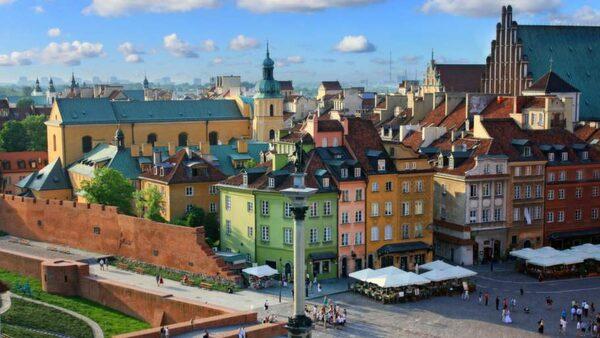 Warszawa är ett underskattat resmål.