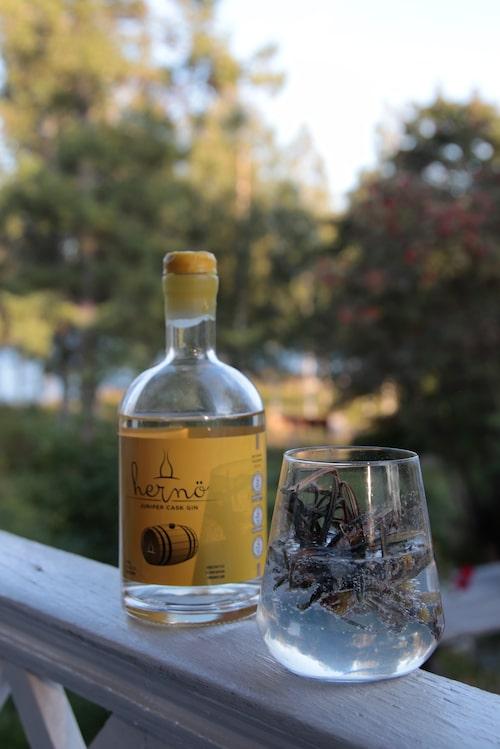 I byn Dala skapas prisbelönta Hernö gin.
