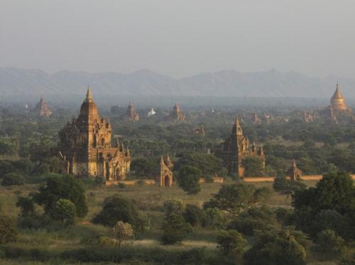 Se Bagan från ovan.