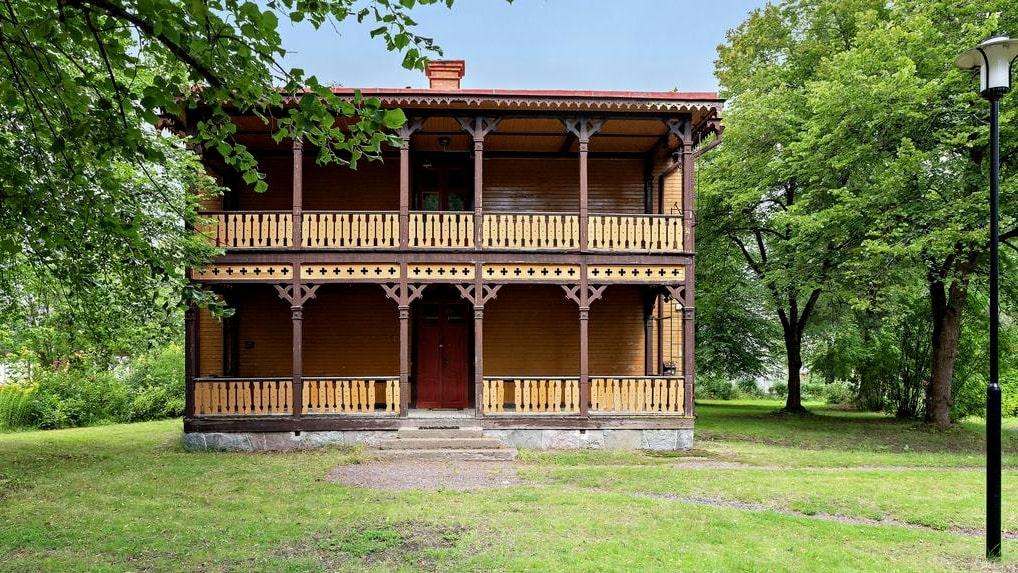 Huset byggdes åt tolv kompanichefer.