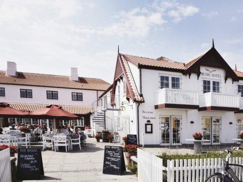 Ruths i Gammel Skagen har tagit steget in i 2000-talet med spa och helt moderna rum. Men salta kallbad finns naturligtvis runt hörnet.