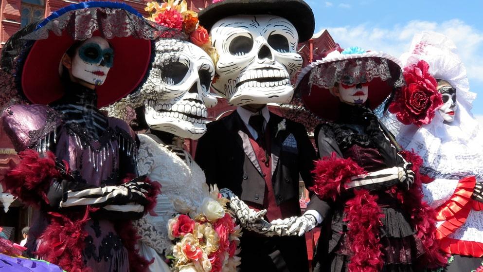 De dödas dag i Mexiko uppmärksammas på Etnografiska museets halloweenfirande.