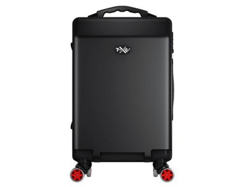 Väskan har GPS-spårning, inbyggd våg, usb- och telefonladdare och extra starka blixtlås.
