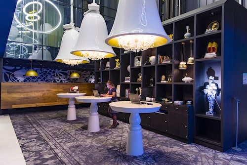 Andaz Amsterdam är ett designhotell med hög wow-faktor.