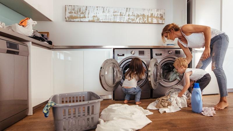 Luftavfuktare kan vara en lösning på hög luftfuktighet i ditt hem. Exempelvis i en tvättstuga.