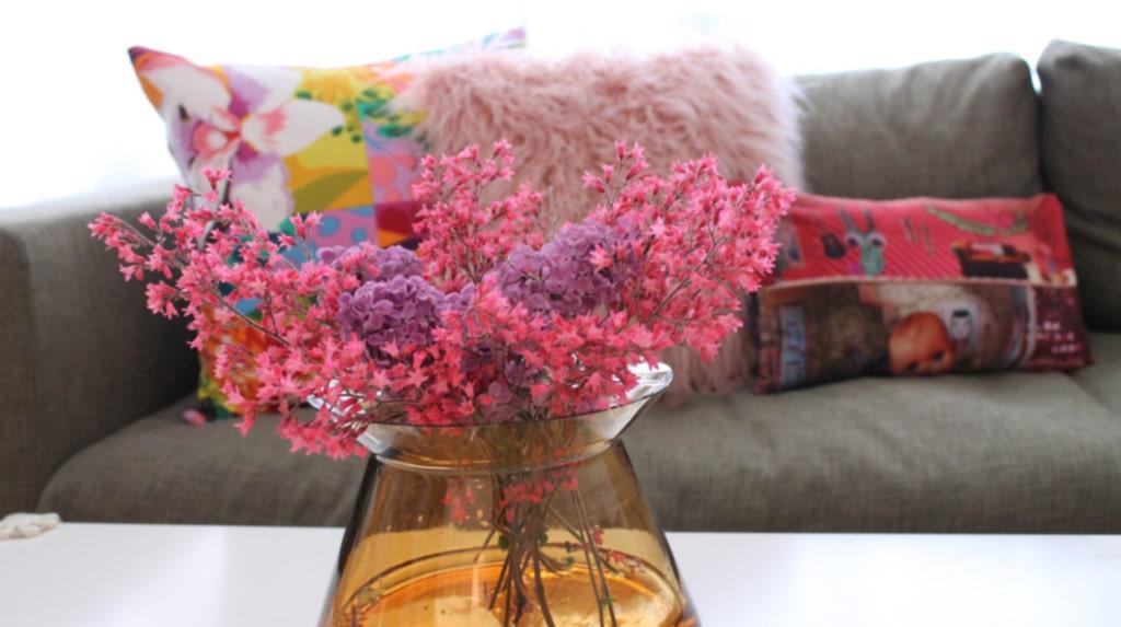 <p>Vackrare blomsterarrangemang kan du få om du tar fram tejprullen. Kolla klippet för att s ehur du gör!<br></p>