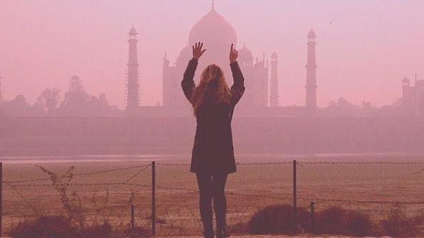 På tretton dagar besökte hon jordens alla sju underverk.
