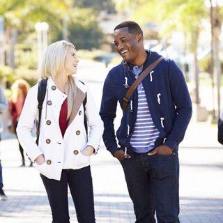 Dating gå ut skillnad Jungfru dejtingsajt Kanada
