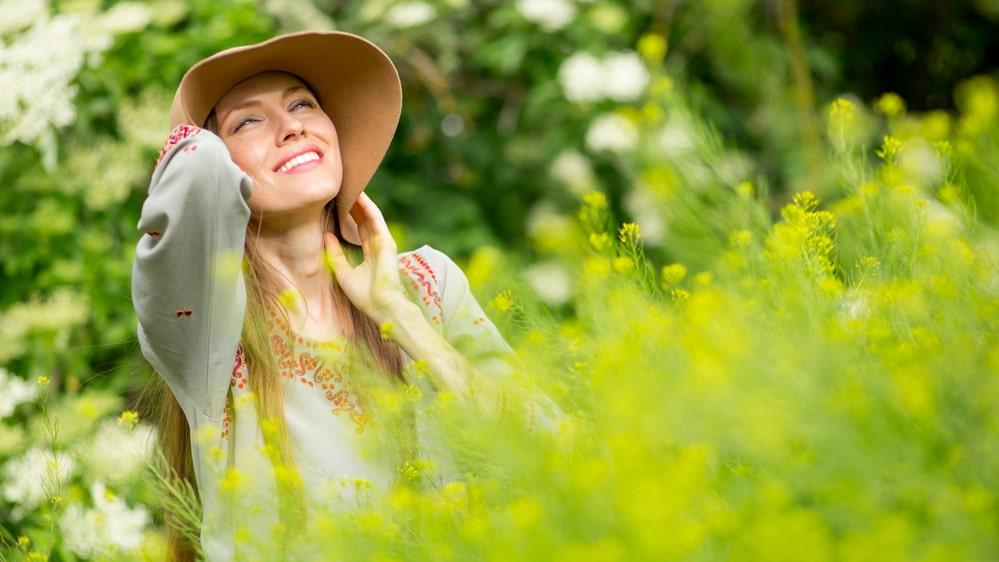Solen är fantastisk källa till D-vitamin, men den kan också vara farlig för oss.